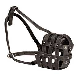 Muzzle made of select soft leather